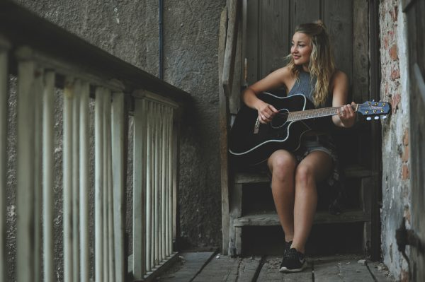 How to Create Hardworking Songwriting Habits | SongFancy, songwriting tips and inspiration for the contemporary lady songwriter