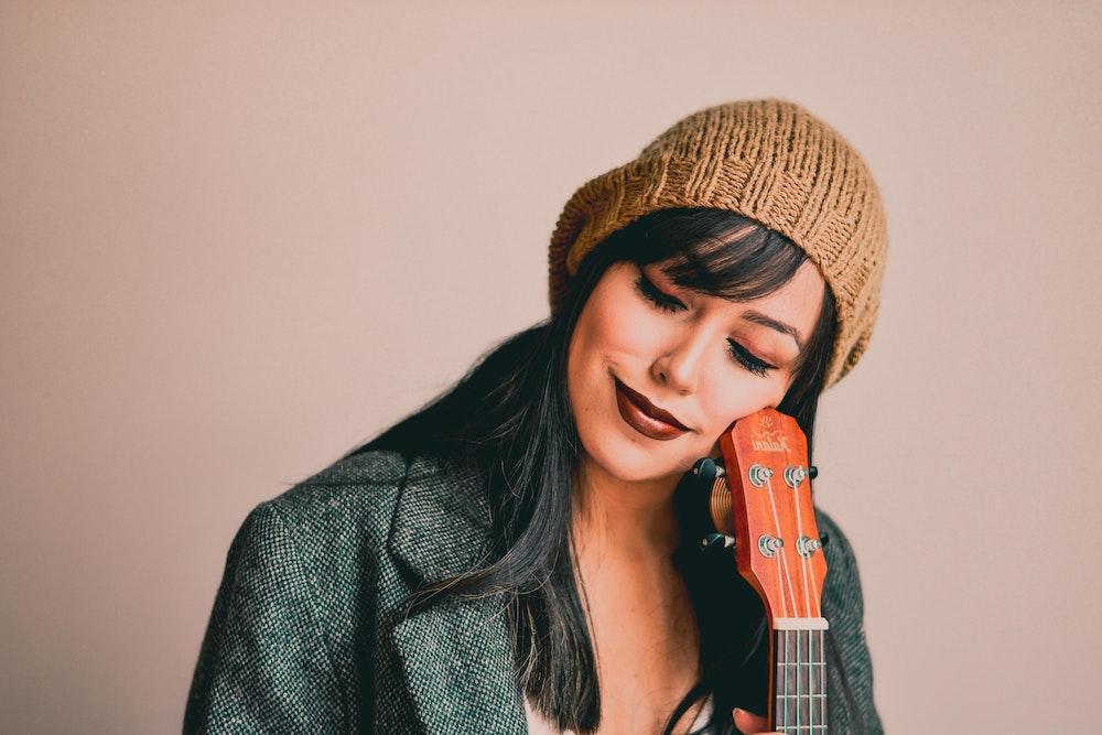 How to write to Songwriting Prompts | SongFancy, songwriting tips and inspiration for the contemporary lady singer/songwriter